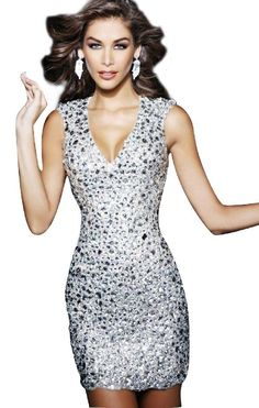 Love this dress not only can I use it for new years but for a friends bash.