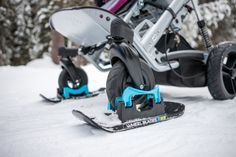 Wheelblades Help Wheelchairs Tackle Snow and Ice Manual Wheelchair, Truck Wheels, Cerebral Palsy, Futuristic Cars, Special Needs, Golf Bags, Blade, Skiing, Arosa