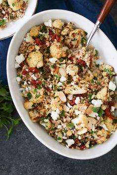 This hearty farro salad with tender roasted cauliflower, sun-dried tomatoes, and feta is a smorgasbord of fresh, bright flavors, and I can't get enough! Farro Recipes, Salad Recipes, Lunch Recipes, Summer Recipes, Healthy Sweet Snacks, Healthy Recipes, Healthy Lunches, Healthy Sides, Diet Recipes