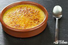 La crème catalane (crema catalana en espagnol) est l'un des incontournables desserts en Espagne. Voulez-vous savoir comment la faire ? Voici la recette.