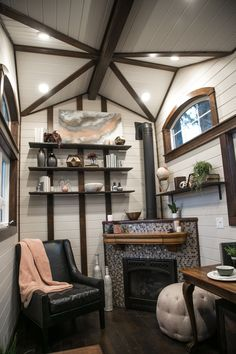 This is a beautiful Tudor-style tiny house on wheels by Tiny Heirloom. It was featured on a recent episode of their television series, Tiny Luxury which is on the HGTV/DIY Network. Tiny House Big Living, Tiny House Plans, Tiny House On Wheels, Small Space Living, Small Room Design, Tiny House Design, Fairytale House, Casa Loft, Tiny House Nation