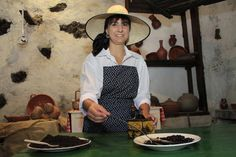 Woman keeping coffe bean during the 'Day of Traditions'#GuiadeIsora #Tenerife