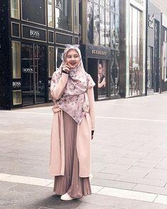 Fashion Mumblr, Modern Hijab Fashion, Muslim Women Fashion, Street Hijab Fashion, Hijab Fashion Inspiration, Fashion Outfits, Hijab Style Dress, Casual Hijab Outfit, Muslimah Clothing