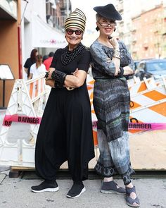 The @idiosyncraticfashionistas on Advanced.Style today!