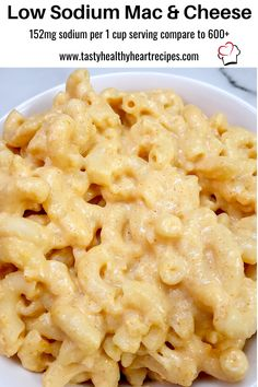 Low Sodium Mac and Cheese in one pot in about 20 minutes. Creamy, cheesy and flavorful and as low sodium as it gets for real Mac and cheese. Plus no weird day-glow orange ingredients Low Sodium Cheese, Low Sodium Snacks, Low Sodium Diet, Sodium Foods, Sodium Free Recipes, Low Salt Recipes, Diet Recipes, Low Salt Meals, Kidney Recipes