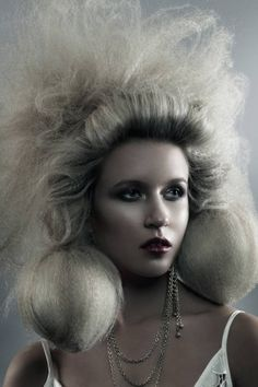 Workshop Images - Carl Keeley | See the full #hair collection at salonmagazine.ca