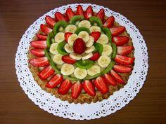 Alla CROSTATA DI FRUTTA, è solito abbinare lo Spumante Brachetto d'Acqui ideale per dessert delicati o macedonie di frutta.