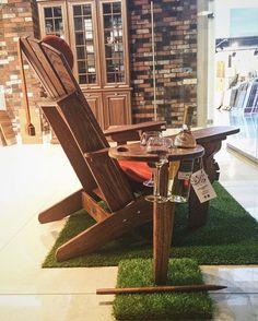 WEBSTA @ adirondack.com.ru - Раскладной столик-подставка для пикника на экспозиции в Дизайн Центре МАДЕКС на Рябиновой ,д.41. Столики в наличии. Можно приобрести в Дизайн Центре или в интернет-магазине. Возможна доставка курьером или самовывоз в пунктах BOXBERRY ,AXIOMUS. #отдыхаемнаприроде #adirondackchairs #oak #outdoorfurniture #столик #столикдляпикника #пикник#креслоадирондак #adirondackchairs#дача#сад#кресло#дом