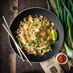 Pad Thai | Koření od Antonína Fish And Chips, Tofu, Sprouts, Treats, Vegetables, Ethnic Recipes, Kitchen, Asia, Mexico