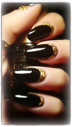 Inspiration on Elegant Black & Gold by Karolina's Nails. Check out more Nails on Bellashoot. New Nail Art, Cool Nail Art, Fabulous Nails, Gorgeous Nails, How To Do Nails, Fun Nails, Nails Gelish, Nail Nail, Black Gold Nails