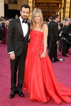 Jennifer Aniston Throws Birthday Bash for Justin Theroux