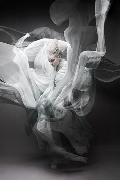 Been wanting to do a similer shoot with hybrid underwater and studio mix. cant wait to get my hands on underwater housing. Swirling smoke / by Wiktor Franko White Photography, Portrait Photography, Fashion Photography, Artistic Photography, Photography Ideas, Nature Photography, Fabric Photography, Landscape Photography, Street Photography