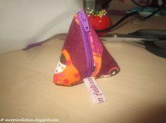 Hier zeige ich euch wie ihr eure eigene Pyramidentasche nähen könnt! Um eure eigene Pyramidentasche zu nähen benötigt ihr folgendes M...