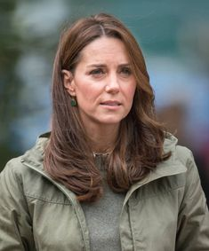 Catherine Duchess of Cambridge during a visit to Sayers Croft Forest School and Wildlife Garden on October 2 2018 in London England Sayers Croft is. Duchess Kate, Duke And Duchess, Duchess Of Cambridge, Prince William And Kate, William Kate, What Katie Did, Kate And Pippa, Princess Kate Middleton, Royal Look