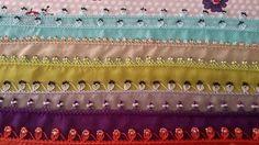 Çeşitli Renklerde Boncuklu Oya modeli