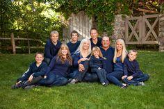 large family photos clothing ideas | Scott Hancock Photography | Family Outdoor