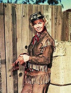 "Doris Day en ""Doris Day en el Oeste"" (Calamity Jane), 1953 Calamity Jane, Western Movies, Dory, Westerns, Musicals, Baseball Cards, Movie Posters, Painting, Pictures"