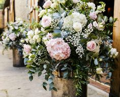Tythe Barn Launton Oxford - Joanna Carter Wedding Flowers | Oxford, Oxfordshire, Berkshire, Buckinghamshire and London.