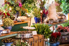 Mesa dos doces - Casamento rústico-chique Foto