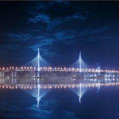 Фантастический вид на Вантовый мост. Доброй ночи, Петербург