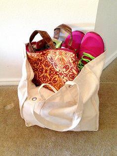 DIY Toiletries Bag (alternatively, a super easy way to DIY a lined clutch!)
