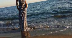 In quel vestito che sembra fatto apposta per fare innamorare..eccola che ondeggia come un'onda di mare.                                 Vestito|MAURO EFFE by Mauro Franchi| SS2016