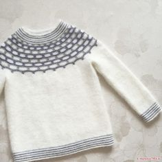 Update wardrobe - Little Winter Angel sweater Baby Knitting Patterns, Knitting Stitches, Crochet Slippers, Knit Crochet, Nordic Sweater, Kids Fashion Boy, Baby Cardigan, Knit Dress, Knitwear