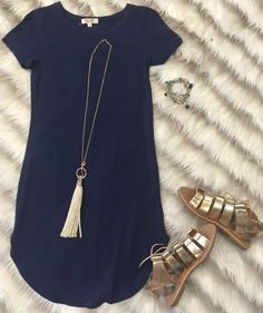 Summer outfit fix: LOVE IT ALL The Fun in the Sun Tunic Dress in Navy is comfy, fitted, and oh so fabulous! A great basic that can be dressed up or down! Mode Outfits, Casual Outfits, Fashion Outfits, Womens Fashion, Dress Casual, Party Outfits, Casual Dressy, Fashion Hacks, Comfy Casual