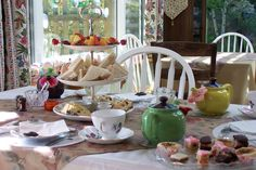 afternoon_tea_plate_sweets.jpg 1,024×682 pixels