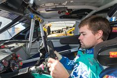 Stenhouse Jr. Finishes 27th at Vegas After Pit-Road Penalty