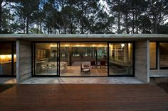 SV House built by Luciano Kruk Arquitectos Contemporary Architecture, Architecture Design, Concrete Architecture, Glass Cabin, Concrete Houses, Glass Houses, Concrete Building, Forest House, House Built