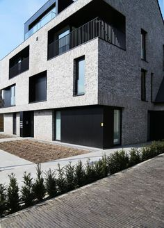 Modern home from Beneensheynen Architecture Facade Design, Exterior Design, Architecture 101, Brick Projects, Brick Construction, Small Buildings, Building Facade, Facade House, Architect Design