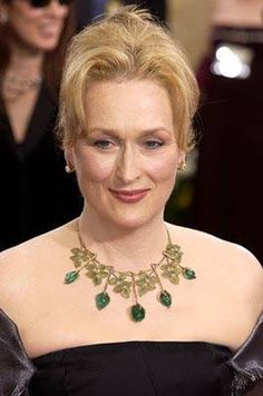 Meryl Streep, Famine and poverty are actual corrupted society systems creation… Meryl Streep, Female Actresses, Actors & Actresses, Fred, Classy Women, Classy Lady, Celebrity Hairstyles, Hairstyles Haircuts, Aging Gracefully