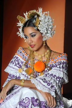 World Ethnic & Cultural Beauties Beautiful People, Beautiful Women, Costumes Around The World, Beauty Around The World, Folk Costume, World Cultures, People Around The World, Traditional Dresses, Ethnic