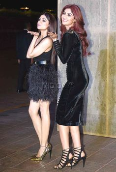 Shamita Shetty with sister Shilpa Shetty at Manish Malhotra's grand birthday bash. Indian Actress Hot Pics, Indian Bollywood Actress, Bollywood Fashion, Indian Actresses, Beautiful Girl Indian, Most Beautiful Indian Actress, Shilpa Shetty Photo, Shamita Shetty, Afghan Clothes