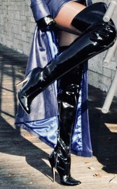Tights And Boots, Socks And Heels, Sexy Boots, Knee Boots, Thigh High Boots, High Heel Boots, Heeled Boots, High Heels, High Leather Boots