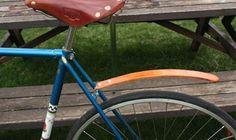 red tail bike fenders: wooden fenders - cool!