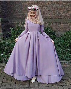 New Fashion Winter Hijab Egypt Ideas Hijab Dress Party, Hijab Style Dress, Hijab Outfit, Islamic Fashion, Muslim Fashion, Modest Fashion, Fashion Dresses, Modele Hijab, Mode Abaya