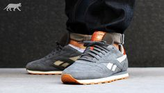 Reebok Classic Leather Suede (Rivet Grey / Paperwhite / Reebok Brass) V48598