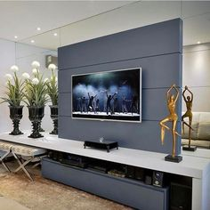 Home theaters are getting to be extremely popular among American homes. Basic knowledge of home theater system and its basic components may be best for peop Home Living Room, Living Room Decor, Living Room Tv Unit Designs, Home Theater Rooms, Home Decor Furniture, House Design, Interior Design, Instagram, Organiser
