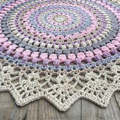 The Sunrise Mandala - free photo tutorial & pattern in English & Swedish @ Crochet Millan (scroll down for English)