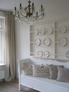 plates, pillows.