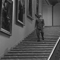 Cagney takes the stairs in Yankee Doodle Dandy Old Hollywood Stars, Hollywood Hills, Classic Man, Classic Films, Yankee Doodle Dandy, Take The Stairs, Moving Pictures, Just Dance, Doodles