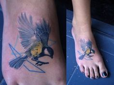 Maybe a bird, with shapes.  Done at HorrorVacuiARTAtelier http://www.facebook.com/HorrorVacuiARTAtelier by Lukas Polacek