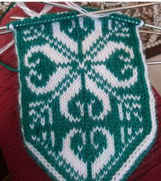 Knitting Socks, Mittens, Diy And Crafts, Blanket, Crochet, Gloves, Tejidos, Embroidery, Tricot
