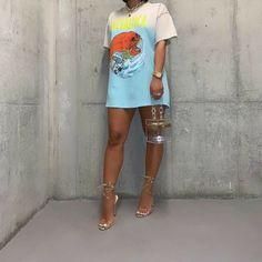 Slaying in tee, heels and bag🧡 . Cute Casual Outfits, Dope Outfits, Stylish Outfits, Summer Outfits, Girl Outfits, Fashion Outfits, Black Girl Fashion, Love Fashion, Mode Streetwear