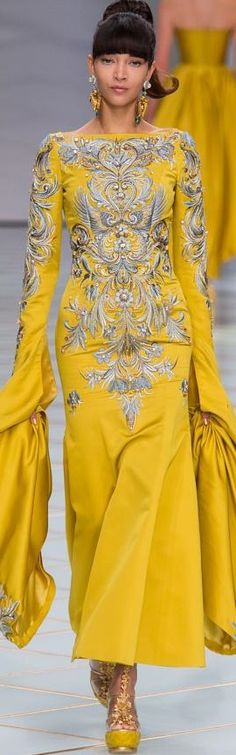 Guo Pei Haute Couture SS 2016, lovely except for the yellow :/