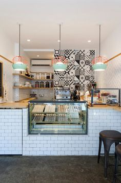 brigadeiro bakery new york — ana strumpf. Idea: Think about artwork and back splashes behind the counter. Coffee Shop Counter, Cafe Counter, Wood Counter, Counter Space, Small Coffee Shop, Coffee Shop Design, Bakery Decor, Bakery Design, Deco Restaurant