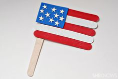 Craft Idea~  Show your patriotism with these Popsicle stick American flags.  Great for the Fourth of July, Memorial Day, and Veterans' Day!