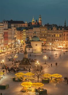 Evening over Krakow, Poland Photography by: Przcmek Czaia Poland Travel Honeymoon Backpack Backpacking Vacation Europe Budget Bucket List Wanderlust Camping Places, Places To Travel, Places To Visit, Krakow Poland, Warsaw Poland, 4k Photography, Street Photography, Landscape Photography, Wonderful Places